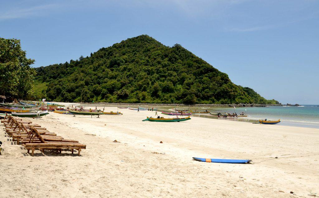 Stunning beach in Lombok