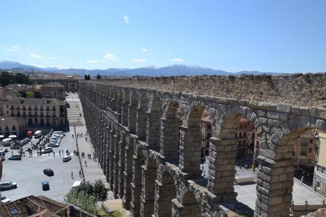 Stunning view of Segovia's Aqueduct