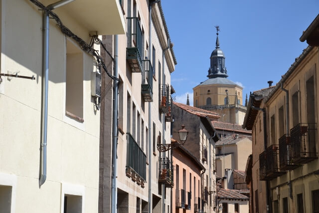 Wandering the streets of Segovia