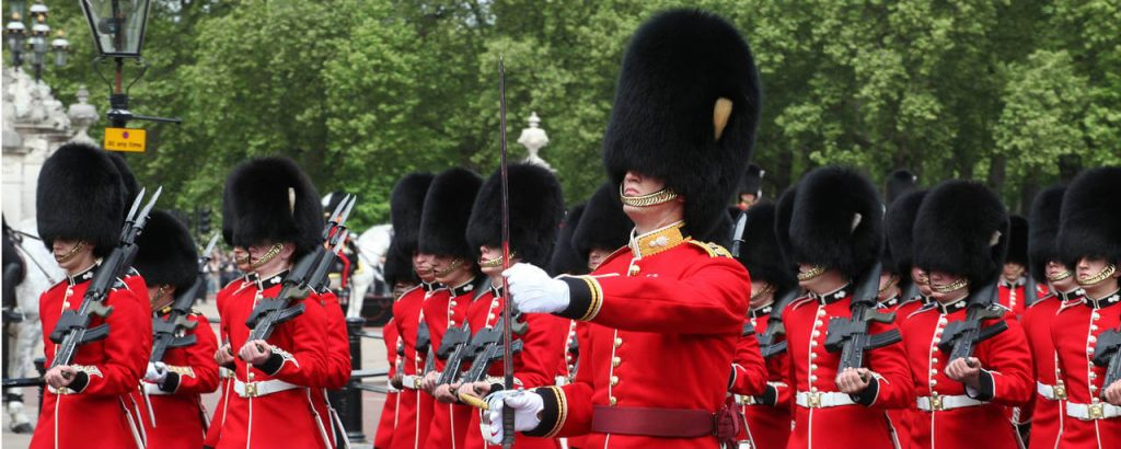 Kid get surprise from the Queens Guard