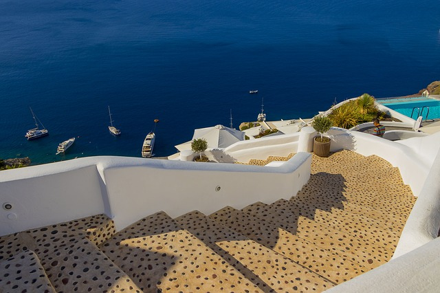 A quick guide to Santorini