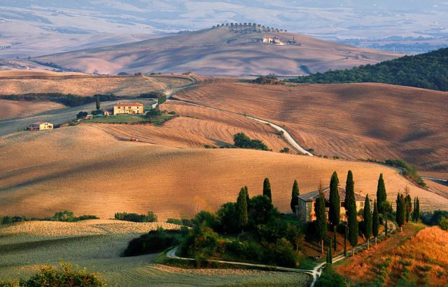 Exploring the countryside and wine regions of Tuscany