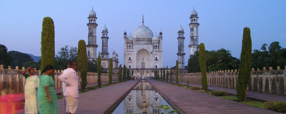 The Bibi Ka Maqbara – A twin of the Taj