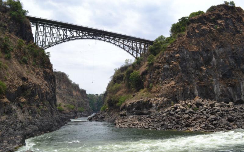 Bungee jumping off the Zambezi Bridge