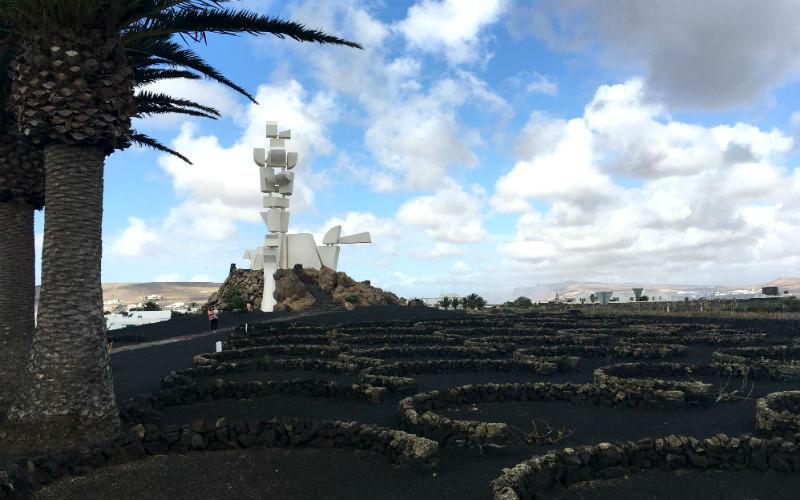 Cesar Manriques Monumento