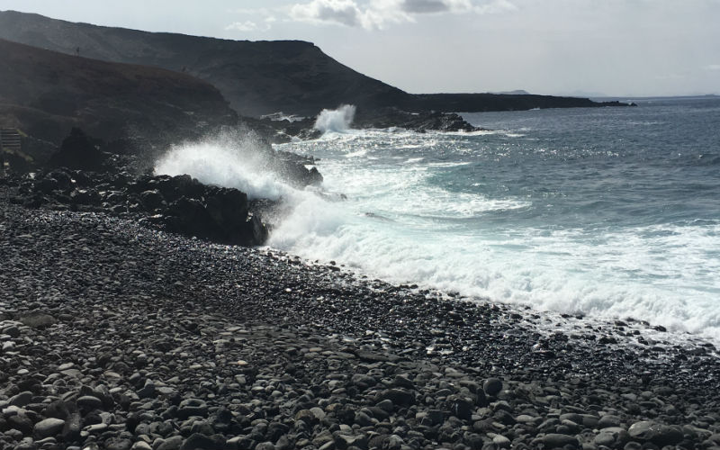 Waves crash in El Golfo beach
