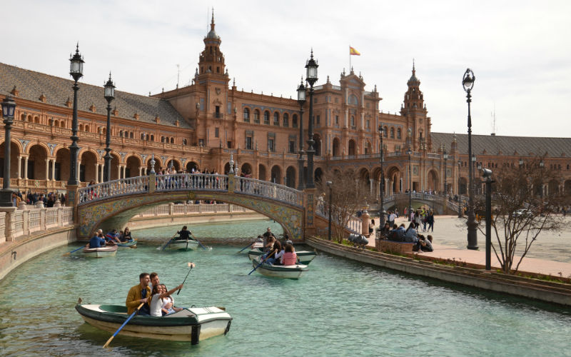 Rowboat in plaza de Espana