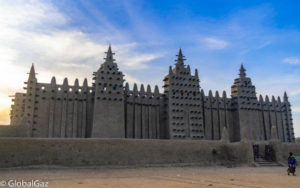 The stunning Grand Mosque made of mud