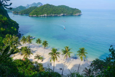 Enjoying the Ang Thong National Marine Park