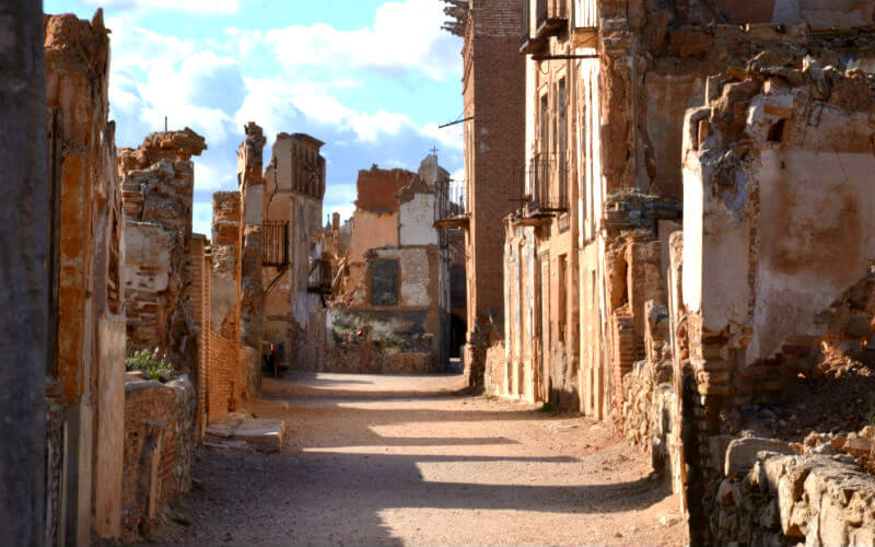 Belchite tours take you right up the main street of the old town