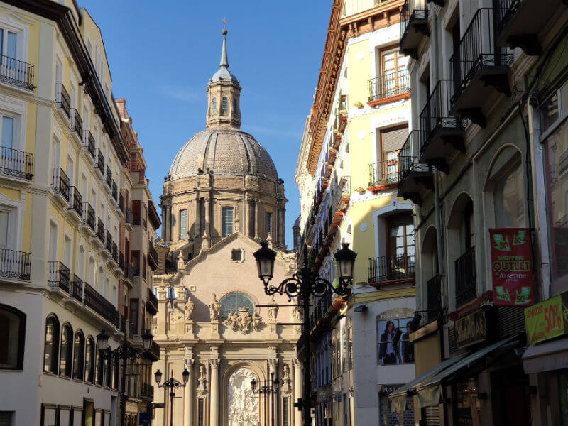 The view back from Calle Alfono back to the Basílica de Nuestra Señora del Pilar