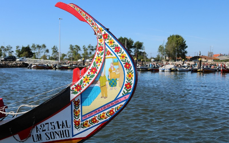 The paintings on the front of Moliceiro boats depict local Aveiro scenes