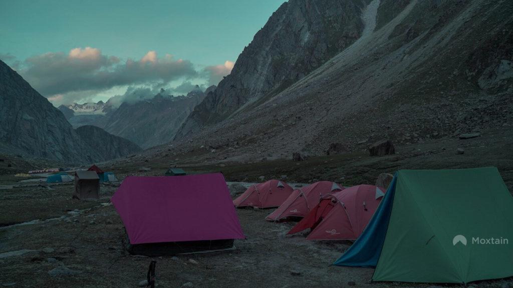 camping diung a Himalaya hike