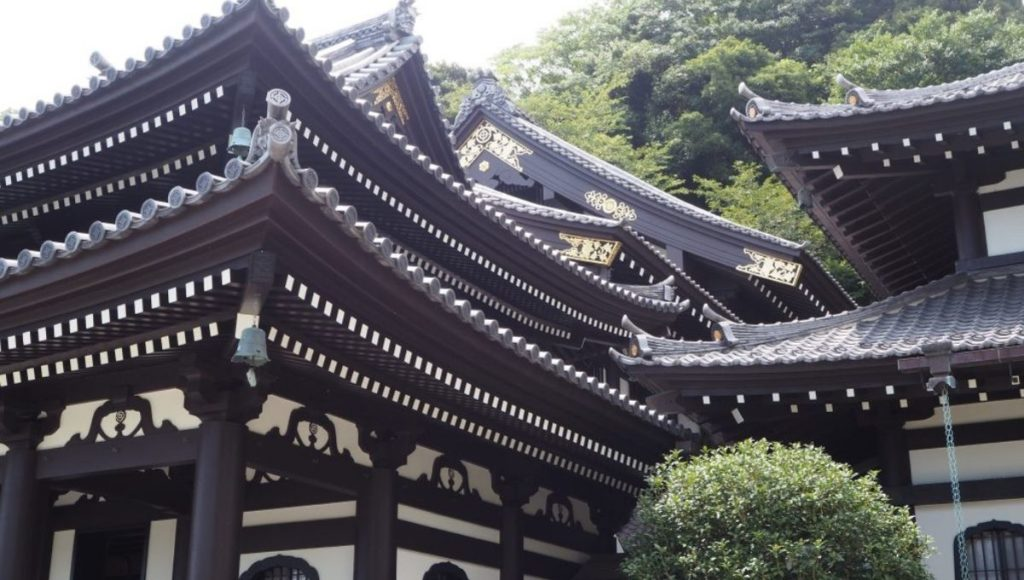 The roof of the Hasedera Temple