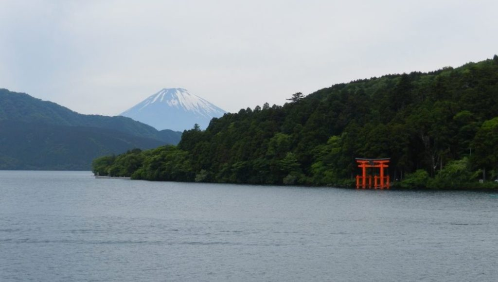 Lake Ashinoko, a place to view Mt Fuji from Hakone