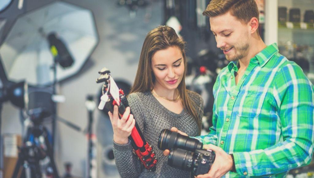 buying photographic best travel tripod under $100.