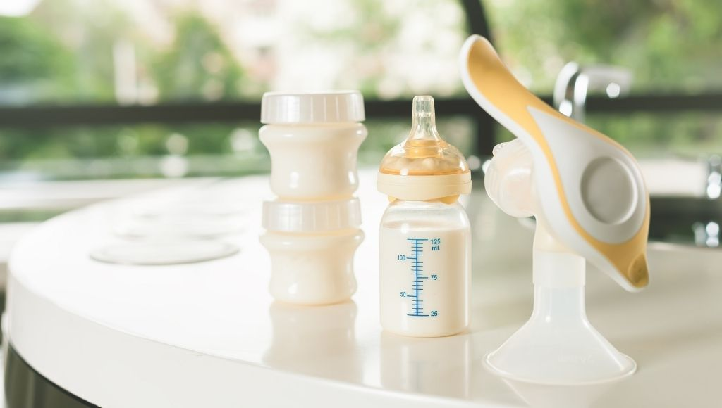 how to store breast milk while traveling manual breast pump