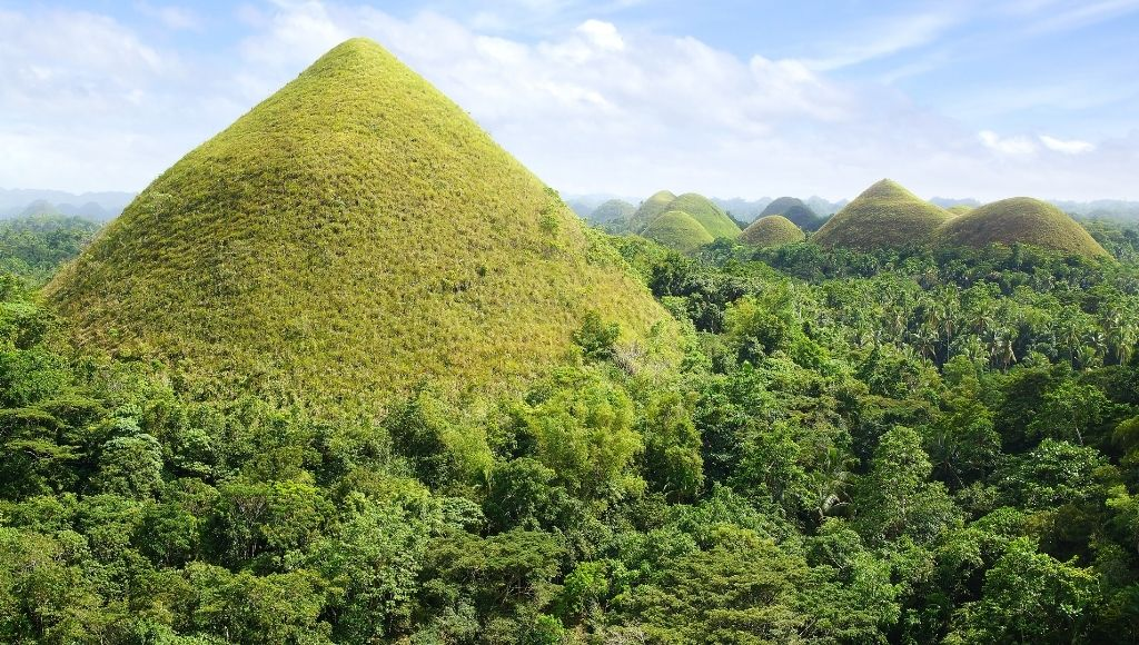 Chocolate hills philippines visiting places